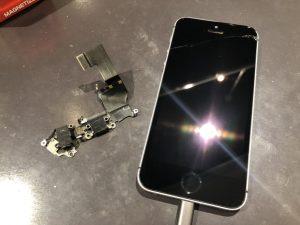 iPhone SE コネクター 充電できない