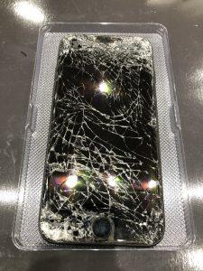 iPhone画面バリバリ