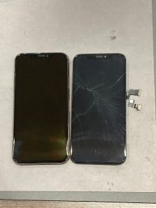 iPhone Xs 画面割れ修理 四日市市