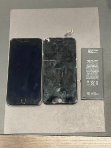 iPhone6sp ガラス割れ&電池交換 桑名市